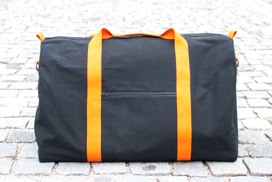Grainline Studio Portside Duffel Bag for my Dad: Side Zip Pocket