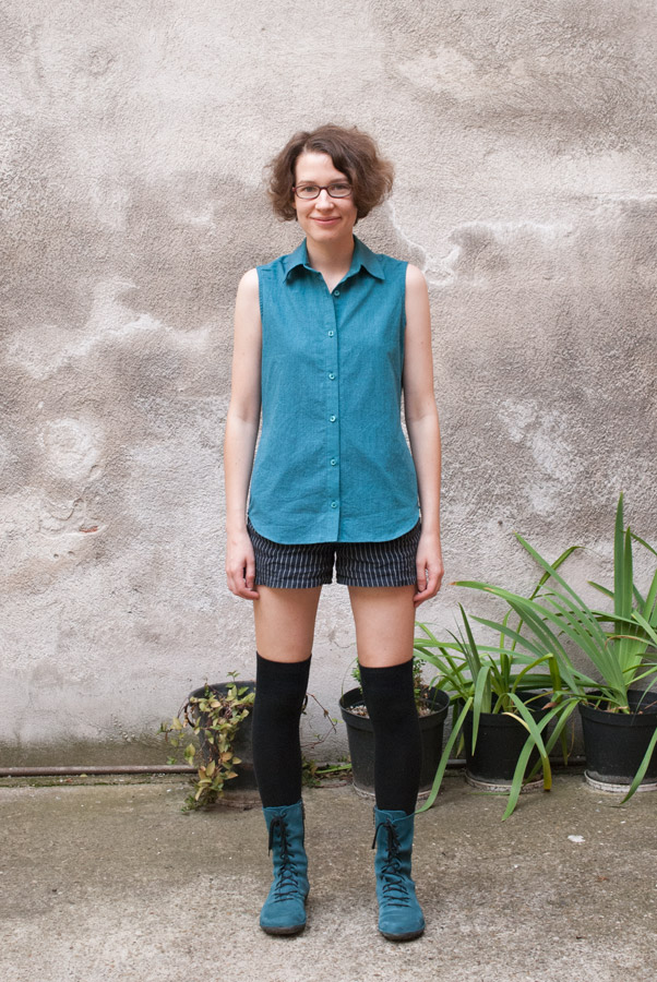 Teal Sleeveless Grainline Studio Archer Shirt: Front